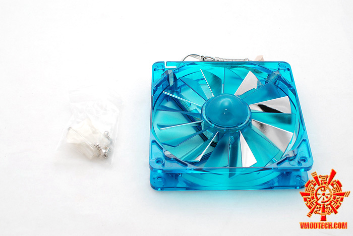 7 Review :  Aerocool Turbine & Aerocool RS12 12cm fan