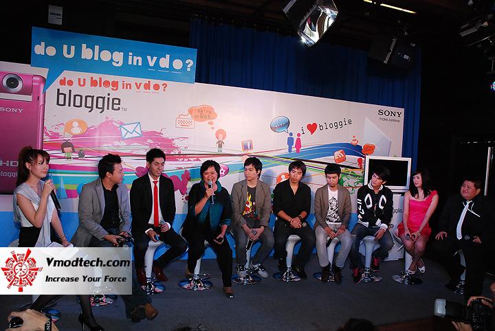 15 เปิดตัว Sony Bloggie กล้องวีดีโอ HD MP4 จิ๋วใหม่จากโซนี่