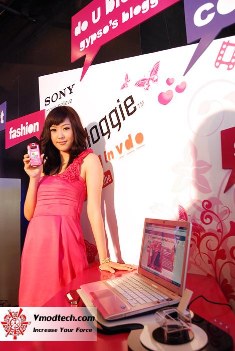 17 เปิดตัว Sony Bloggie กล้องวีดีโอ HD MP4 จิ๋วใหม่จากโซนี่