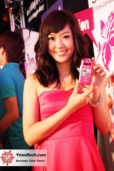 19 เปิดตัว Sony Bloggie กล้องวีดีโอ HD MP4 จิ๋วใหม่จากโซนี่