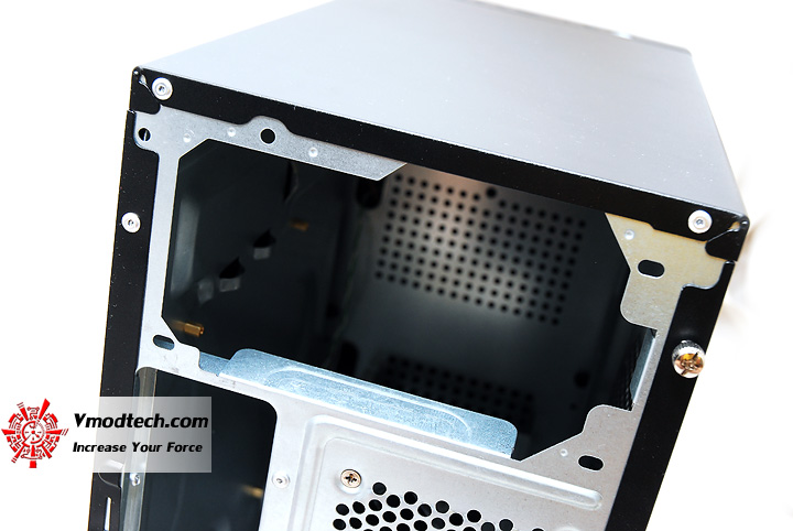 8 Review : CoolerMaster LAN case 240 Mini Tower chassis