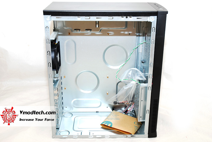 9 Review : CoolerMaster LAN case 240 Mini Tower chassis