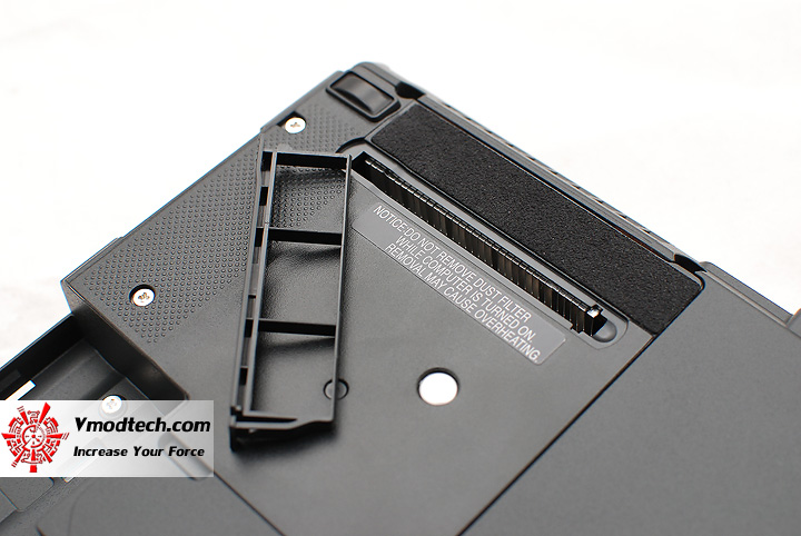 15 Review : Fujitsu Lifebook SH560 (Core i3)