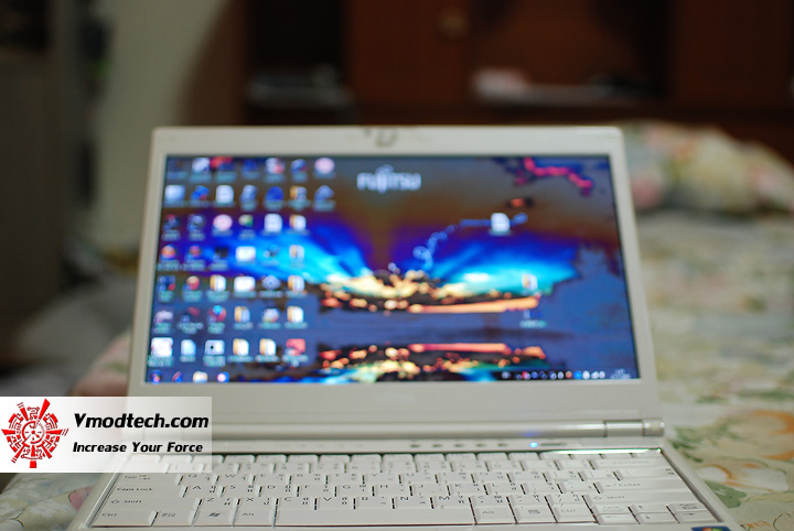 21 Review : Fujitsu Lifebook SH560 (Core i3)