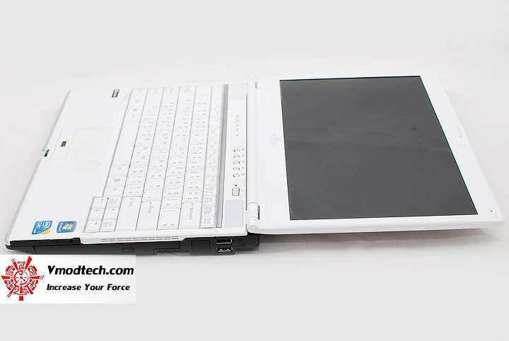 4 Review : Fujitsu Lifebook SH560 (Core i3)