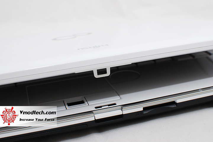 5 Review : Fujitsu Lifebook SH560 (Core i3)