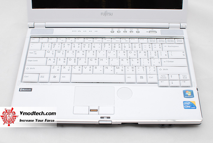 6 Review : Fujitsu Lifebook SH560 (Core i3)