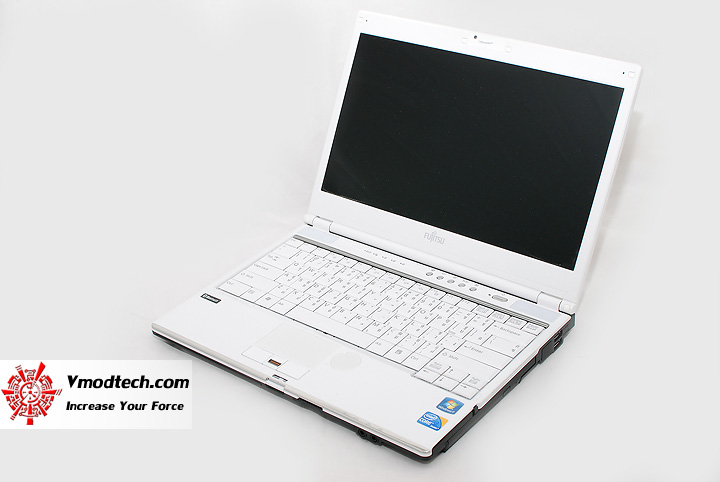 8 Review : Fujitsu Lifebook SH560 (Core i3)