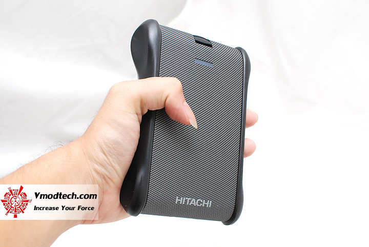 8 Review : Hitachi SimpleTough Portable Drive 320gb