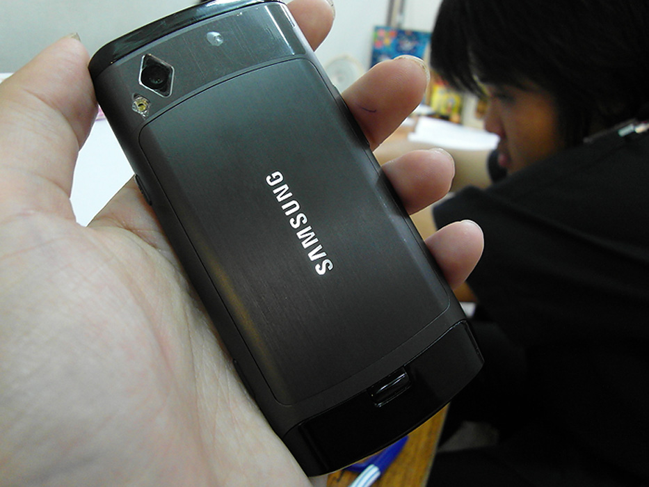 18 Review : Samsung WB2000