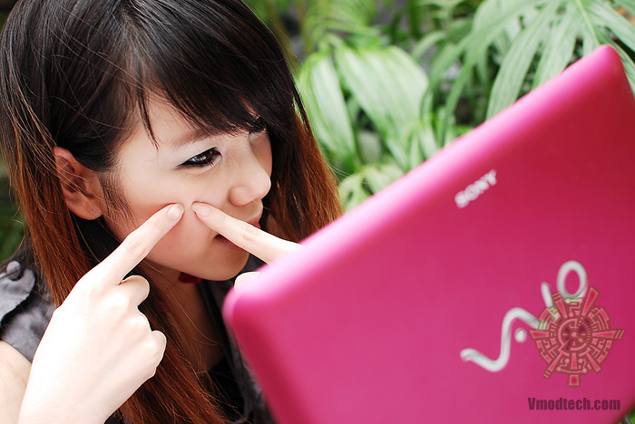 8 Review : Sony VAIO W