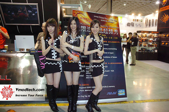 14 Pretty Girls of Computex Taipei 2011