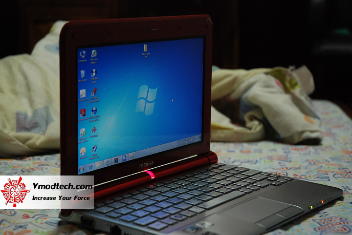 18 Review : Toshiba NB305 Netbook